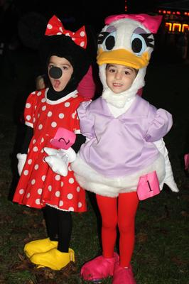 Minnie Mouse & Daisy Duck